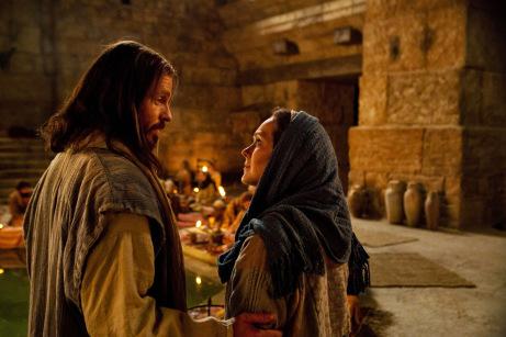 Maria, mãe intercessora, modelo de mulher apostólica, discípula e missionária