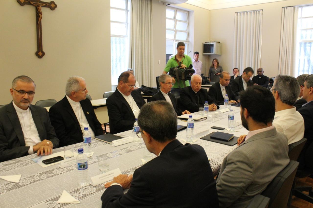 Comissão Episcopal de Pastoral do Regional Leste 2 se encontra para reunião em Belo Horizonte