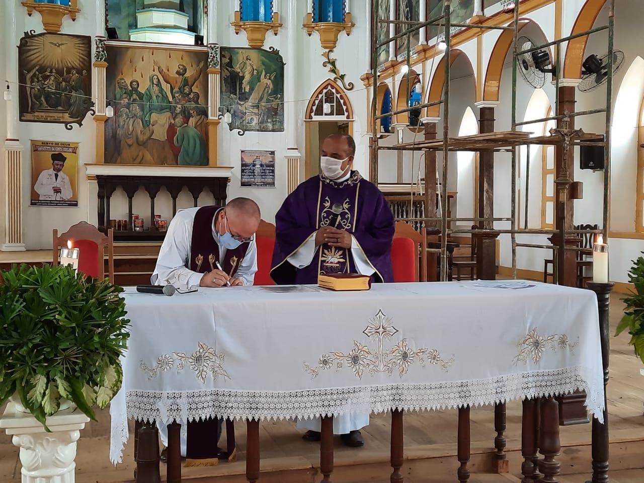 Felicitações de acolhida do novo vigário de Santa Maria Eterna